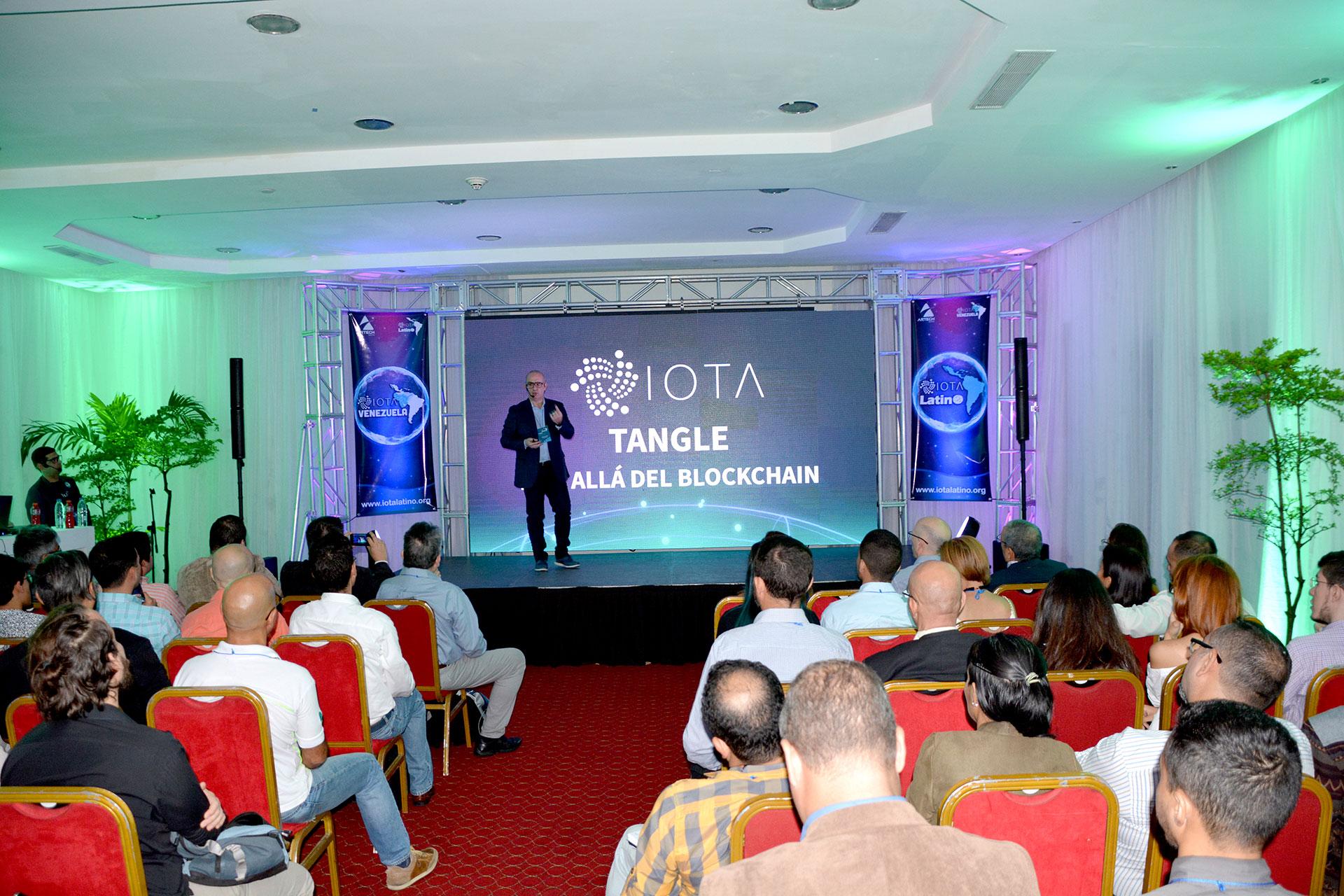 primer meetup de IOTA en Venezuela - Saul Ameliach